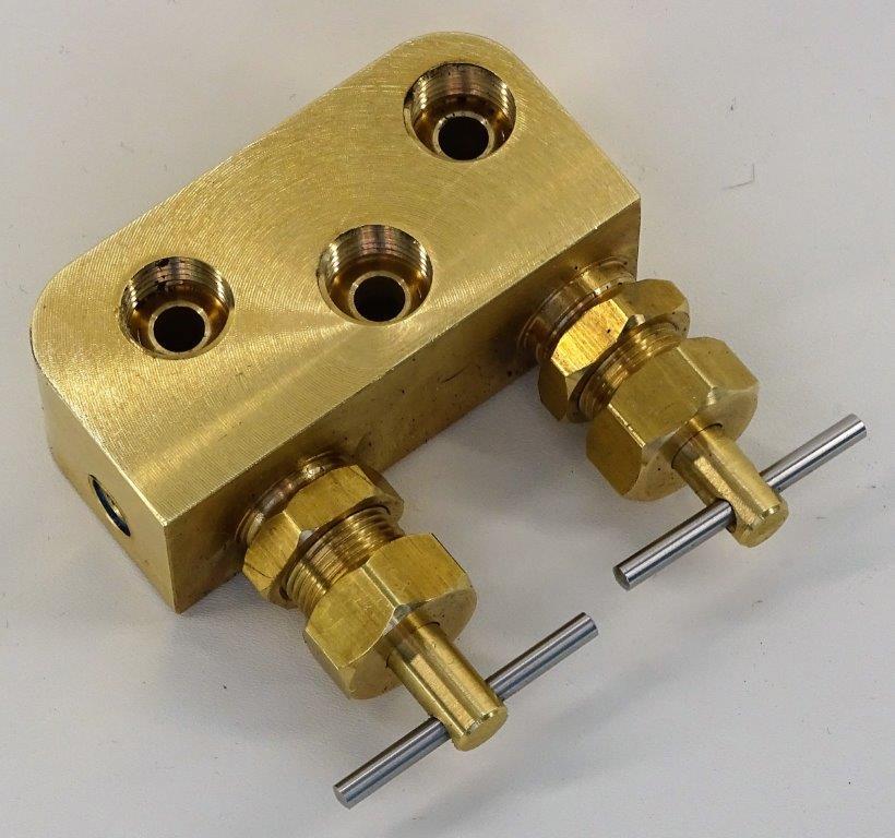 B260288-Halftrack-Fuel-tap-1.jpg