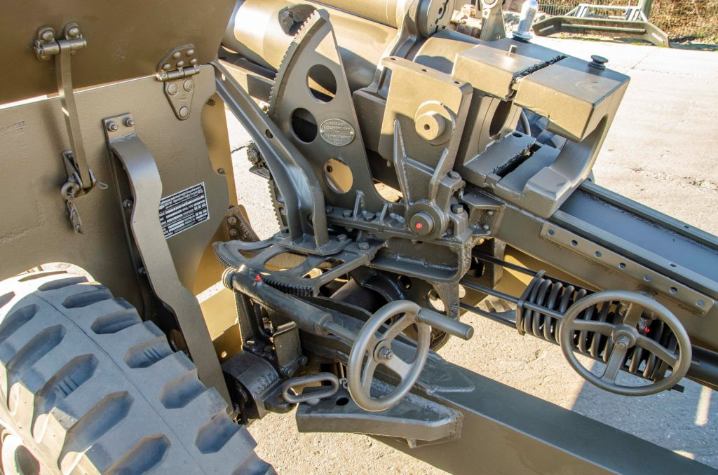 BAIV 105 MM Howitzer M2A1-4