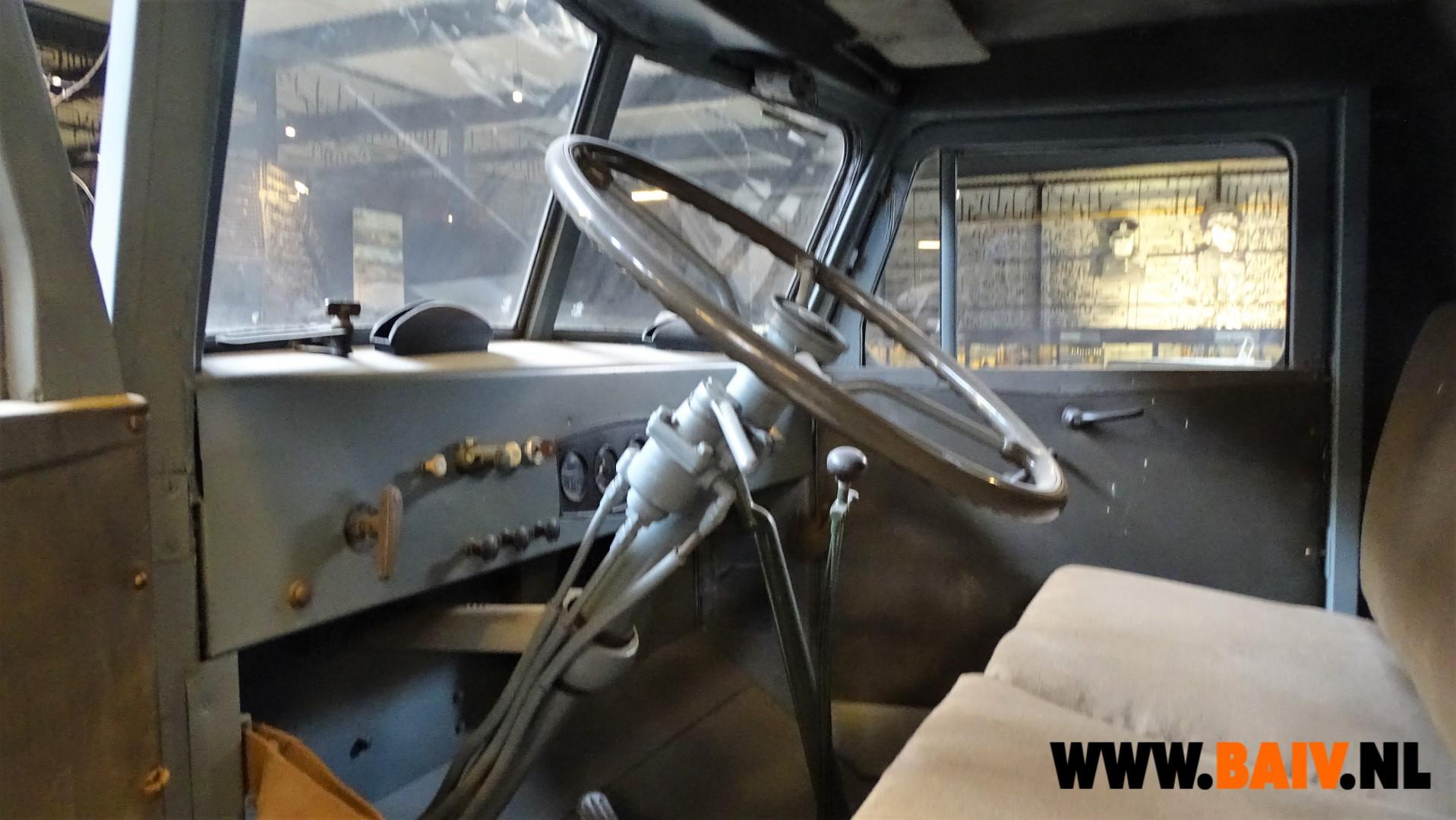7270 BAIV Oshkosh W709-CT5 with Reliance Semi Trailer 7 ton-10