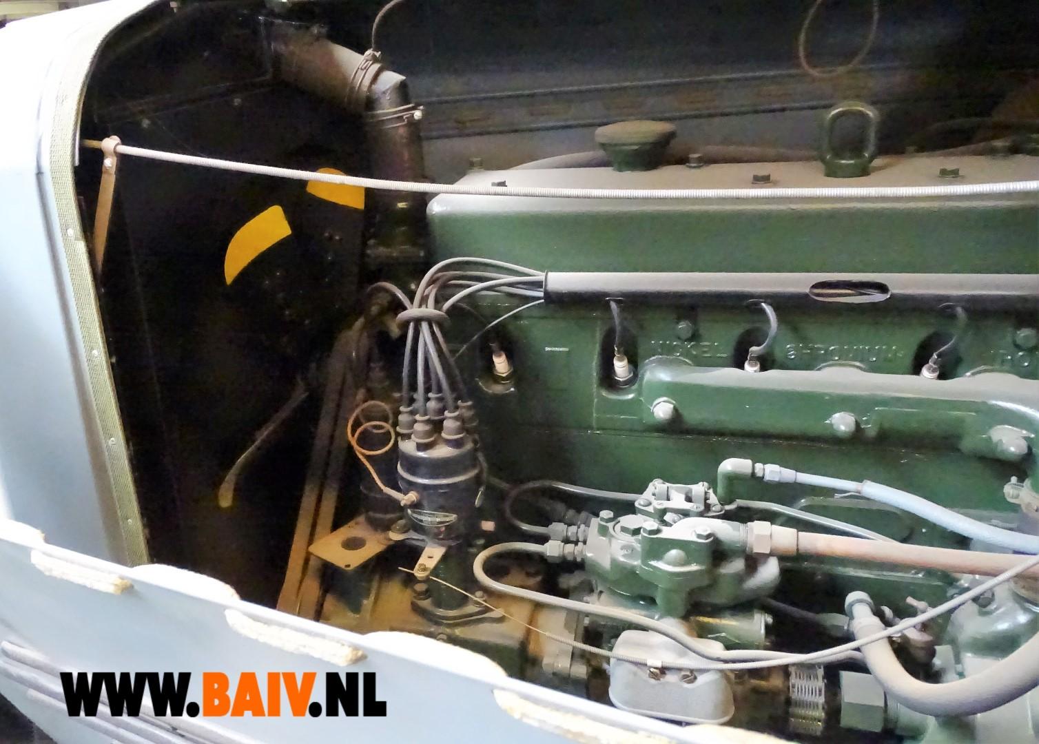 7270 BAIV Oshkosh W709-CT5 with Reliance Semi Trailer 7 ton-12