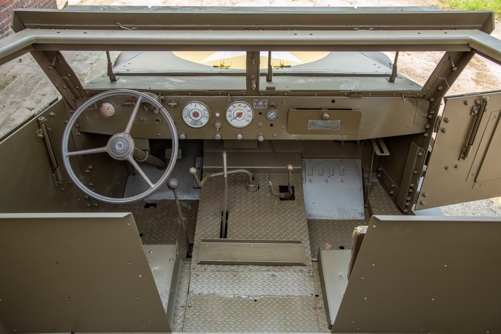 Half Track M4A1 Mortar (37)