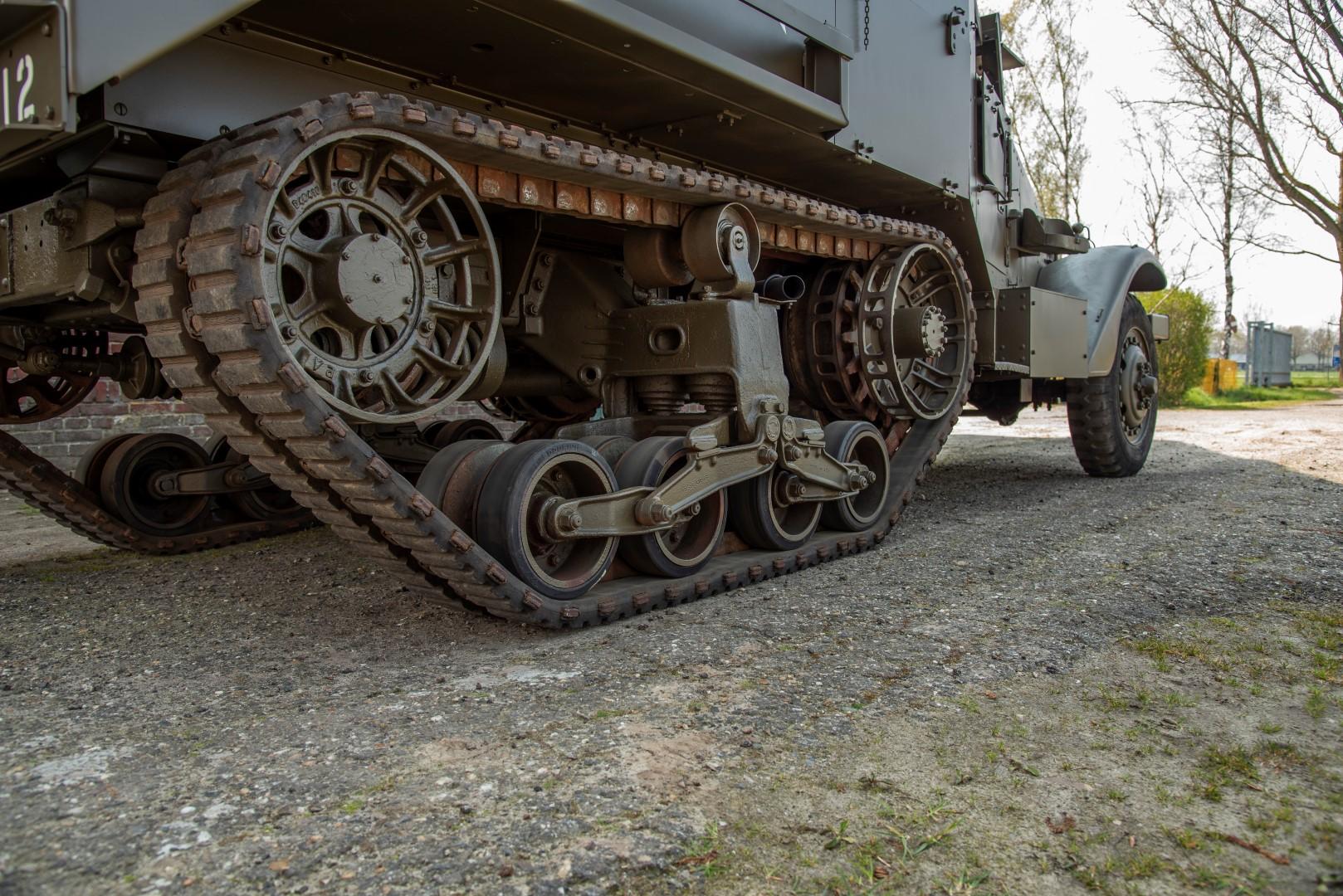 Half Track M4A1 Mortar (41)